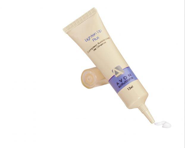 Avon Solutions Lighten Up Plus: Com ação anticoagulante, o cosmético promete impedir que a olheira se intensifique, reduzindo sua aparência. Preço sugerido: R$ 19. SAC 0800-7082866