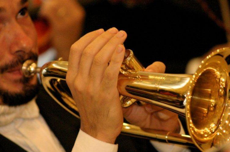 Música clássica é como casamento: nunca sai de moda e sempre emociona. Músico do Coral Del Chiaro, tel.: (11) 5051-3234