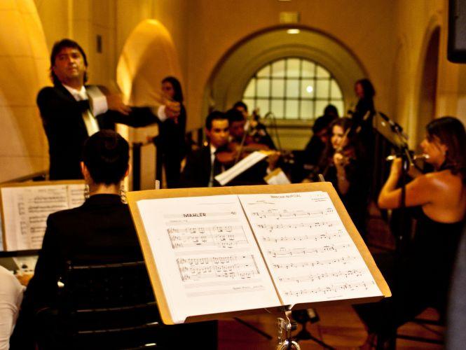 Marcha Nupcial e Mahler estão presentes na partitura durante apresentação da orquestra em casamento realizado na Sala SP