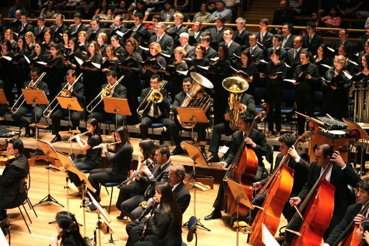 Músicos em ação durante apresentação do Allegro Coral; número de integrantes da orquestra varia de acordo com o local da cerimônia. Tel. (11) 5055-8808