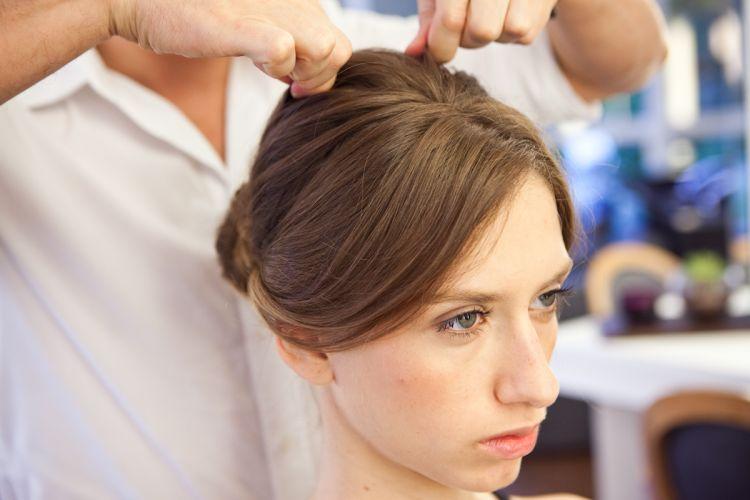 Romântico naturalDepois do penteado pronto, com muito cuidado, evidencie o volume do alto