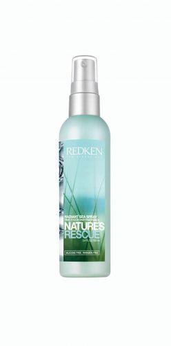 Perfume Radiant Sea Spray, Redken - Perfuma com suas cápsulas de aroma que se rompem à medida que o cabelo é tocado com as mãos, garantindo cabelos perfumados por mais tempo. Preço sugerido: R$ 90. SAC: 0800 701 7237Preços pesquisados em novembro de 2011 e sujeitos a alterações