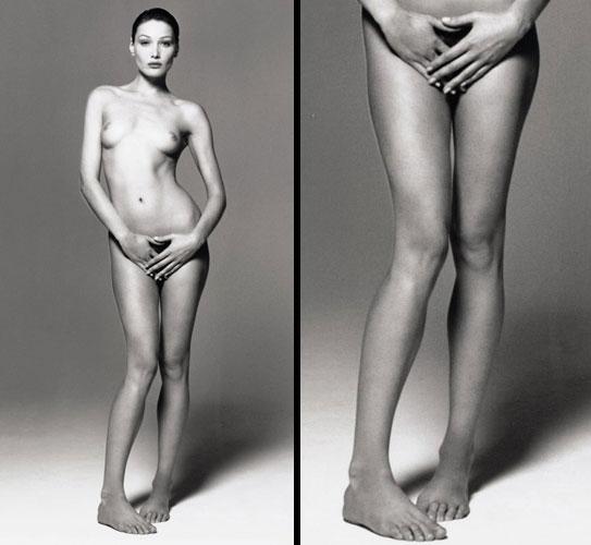Antes de se tornar a primeira-dama francesa, a italiana Carla Bruni posou para o fotógrafo Michel Comte como veio ao mundo e exibiu suas longas e bem cuidadas pernas