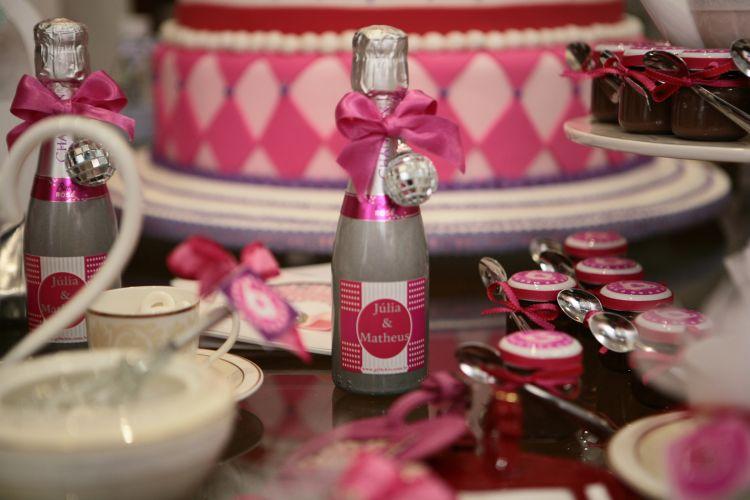 Que tal oferecer aos seus convidados minigarrafas personalizadas de Chandon? Esta é uma das apostas da Gift Chic, que participou do Spicy Wedding Day (18/11/2010)
