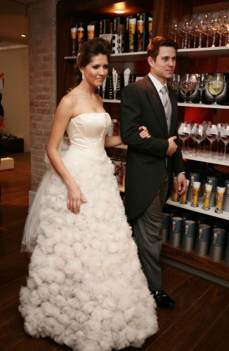 Sugestões de looks para os noivos também fazem parte do Spicy Wedding, evento realizado mensalmente na loja de utensílios para casa, em São Paulo. Na foto, peças criadas pelo Ateliê Bibi Barcellos (18/11/2010)