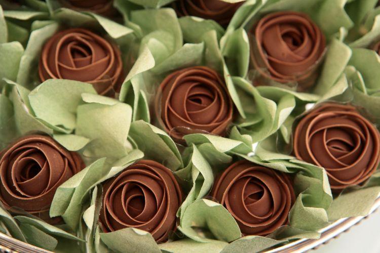 Doces em formato de rosas são sugestão da Danielle Andrade Sweet Cake, que apresentou suas novidades na feira de casamento realizada pela loja de utensílios Spicy (18/11/2010)