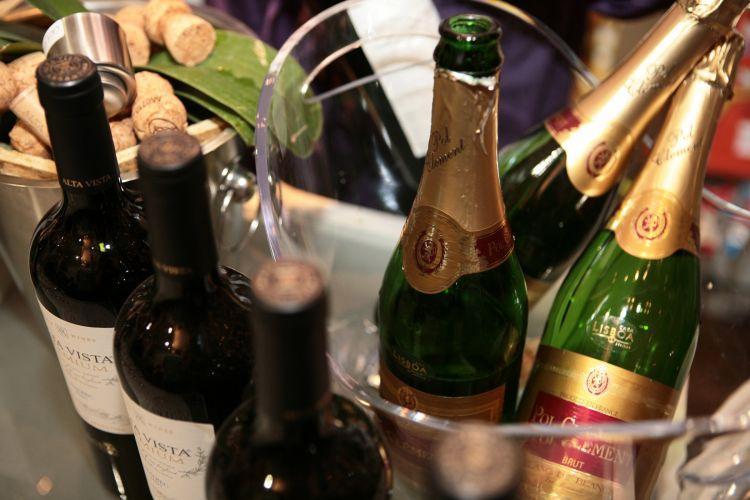 Casa Lisboa apresenta sua sugestão de bebidas para festas de casamento durante o 19º Spicy Wedding Day, em São Paulo. O evento é realizado mensalmente pela loja de utensílios para casa (18/11/2010)