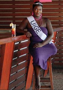 A miss Uige, candidata ao concurso Miss Mina Terrestre