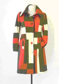 O casaco de sarja da Polly Maggoo custa R$ 288