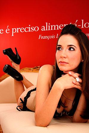 Dilvugação/Scarlet Boutique