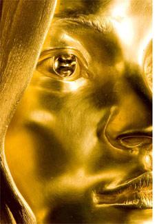A estátua da modelo Kate Moss feita em ouro pelo artista Marc Quinn - AFP
