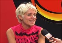 A cartunista Maitena dá entrevista para a TV UOL