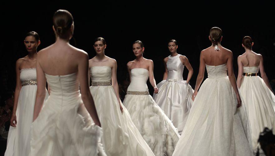 A grife espanhola Rosa Clará desfilou suas novidades em vestidos de noivas durante o evento Barcelona Bridal Fashion Week, voltado para noivas (10/05/2011)