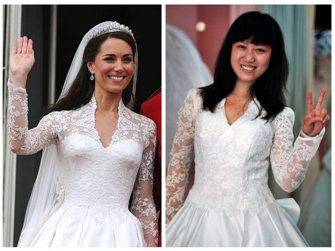 A chinesa Susana Xui posa com cópia do vestido de noiva de Kate Middleton (esq.), comprado no ateliê da estilista Yang Lifei, em Suzhou, na China (05/05/2011)