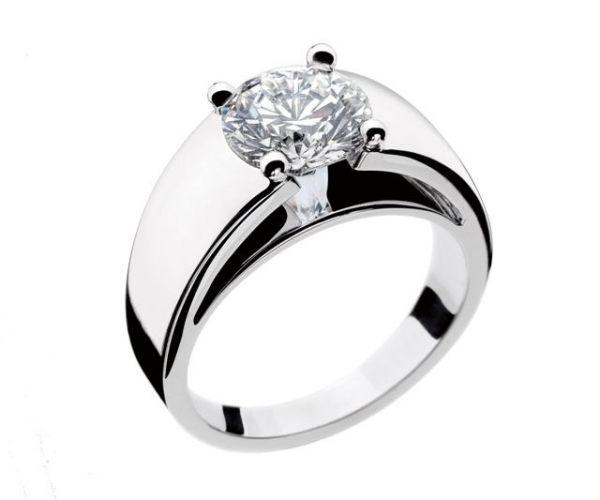 Aliança diamante ouro branco, na Bvlgari (Tel.: 11 3081-8833)