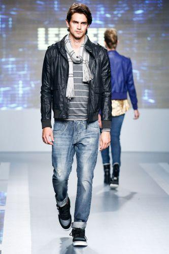 A Lemier apresenta coleção para o Inverno 2012 durante o segundo dia de Mega Polo Moda. O evento é realizado pelo famoso shopping atacadista do Brás, bairro de São Paulo conhecido pelas lojas de moda popular (28/02/2012)