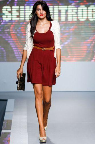 A ex-BBB Mariana Felicio apresenta look da Seiki Nitrogen para o Inverno 2012 durante o segundo dia de Mega Polo Moda. O evento é realizado pelo famoso shopping atacadista do Brás, bairro de São Paulo conhecido pelas lojas de moda popular (28/02/2012)