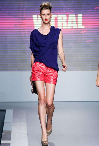 A Vitral apresenta coleção para o Inverno 2012 durante o segundo dia de Mega Polo Moda. O evento é realizado pelo famoso shopping atacadista do Brás, bairro de São Paulo conhecido pelas lojas de moda popular (28/02/2012)
