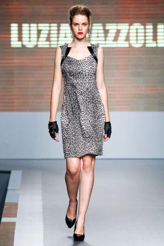 A Luiza Fazzolli apresenta coleção para o Inverno 2012 durante o segundo dia de Mega Polo Moda. O evento é realizado pelo famoso shopping atacadista do Brás, bairro de São Paulo conhecido pelas lojas de moda popular (28/02/2012)