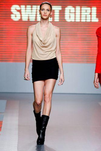 A Sweet Girl apresenta coleção para o Inverno 2012 durante o terceiro dia de Mega Polo Moda. O evento é realizado pelo famoso shopping atacadista do Brás, bairro de São Paulo conhecido pelas lojas de moda popular (29/02/2012)