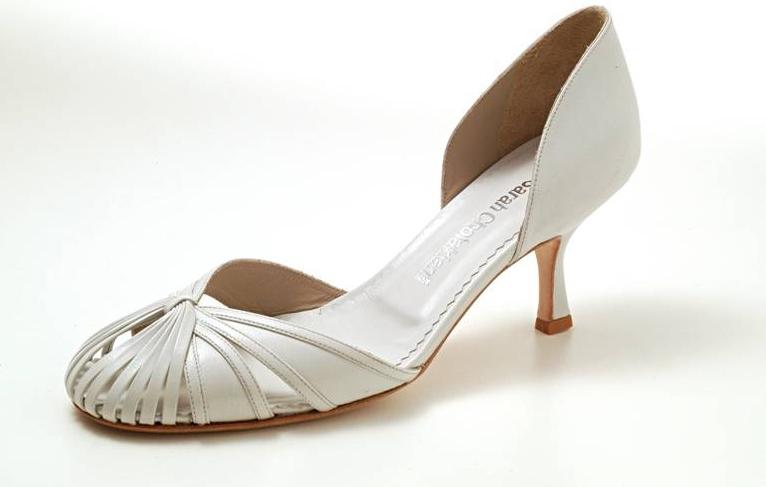 746a100de8 Sapato clássico modelo