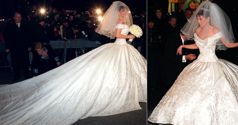 Thalía em vestido de saia gigante criado pelo estilista mexicano Mitzy em seu casamento com o empresário Tommy Mottola, em 2000