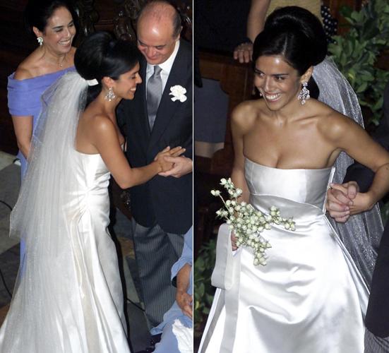 Verônica Serra, filha de José Serra, em vestido tomara-que-caia perolado criado por Ocimar Versolato ao chegar para seu casamento com o empresário Alexandre Bourgeois, em 2001