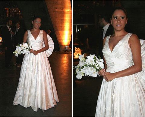 Marina Morena em vestido com pregas do estilista André Lima, criado para seu casamento com o maquiador e fotógrafo Fernando Torquatto, em 2008