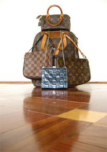 Obra com bolsas de luxo de Alexandre Herchcovitch