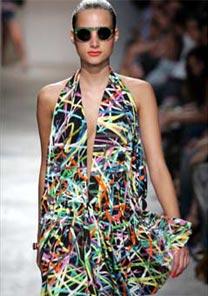 Desfile da marca Amapô abriu a edição Alto Verão 2007 do Amni Hot Spot - Alexandre Schneider/UOL