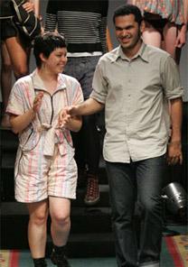 Rebeca Facchini e Murilo Amaral, do Coletivo, em desfile na Casa de Criadores (2006)