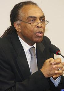 O músico e Ministro da Cultura, Gilberto Gil, que participa do encerramento do 1º dia do evento