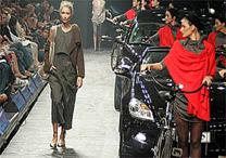Desfile de Mara Mac nesta segunda (15), no Fashion Rio - Alexandre Schneider/UOL