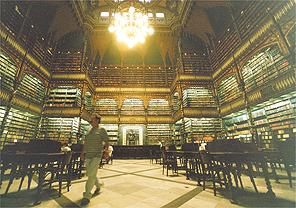 O Gabinete Real Português de Leitura, palco do desfile de Walter Rodrigues - Arquivo Folha Imagem