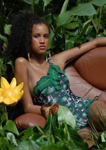 Coleção da Sommer apresentada na floresta da Tijuca, no Fashion Rio Verão 2007 - UOL