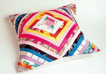 Pachtwork utiliza retalhos de tecidos para peças de decoração - Marcelo Barabani/ Folha Imagem
