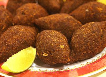 O quibe é um dos pratos contestados pelo dirigente libanês - Folha Imagem