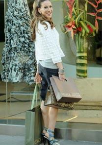 A atriz Sarah Jessica Parker teria usado sandálias Balenciaga no comercial do shopping Cidade Jardim